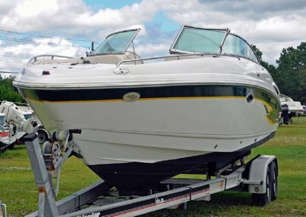 2001 Chaparral 260 SSi