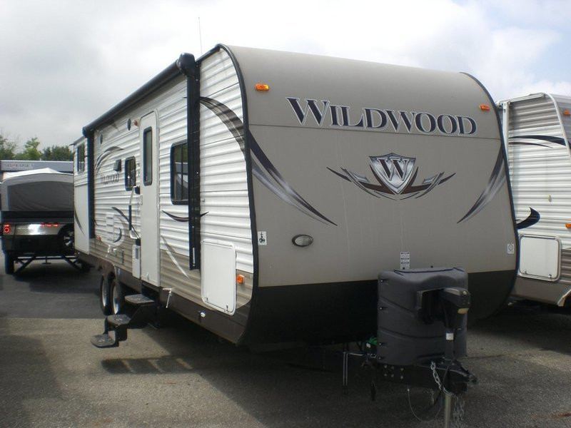 forest wildwood rvs for sale in greenfield indiana. Black Bedroom Furniture Sets. Home Design Ideas