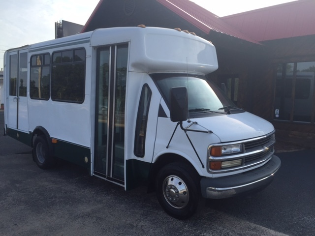 2000 Chevrolet Express 3500 Bus