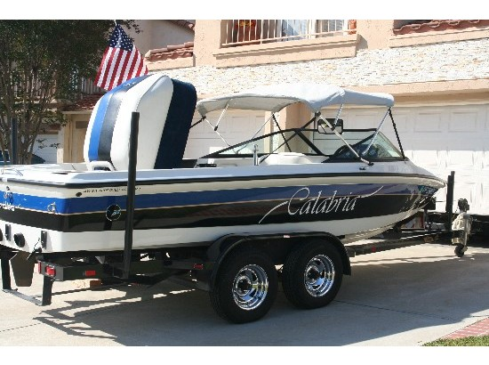 1998 Calabria Ski and Wakeboard Boat
