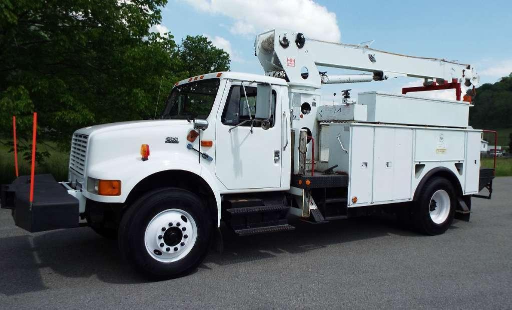 2000 International 4700 Boom / Crane Truck Crane Truck