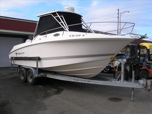 2004 Wellcraft 252