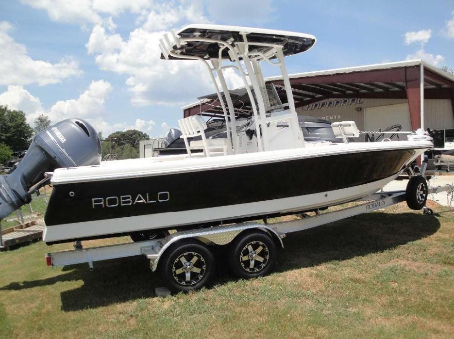 2017 Robalo R226