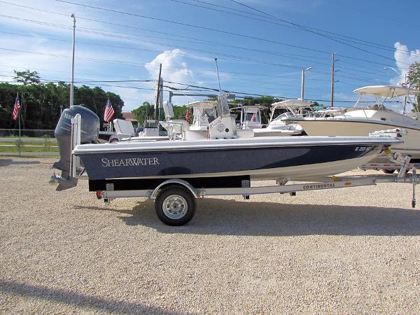 2005 ShearWater Bay Boat