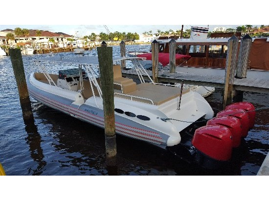2011 Nautica International 44 Express