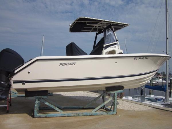 2013 Pursuit C 230