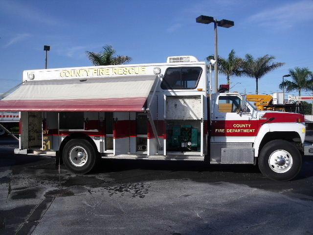 1987 Ford F800 Fire Truck