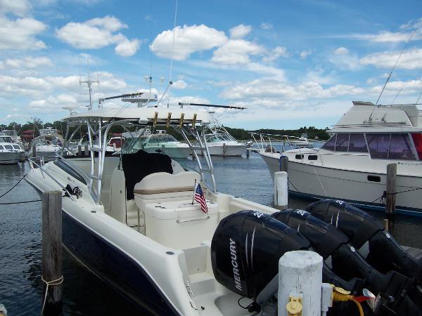 2005 Hydra Sport VX-3300 Cuddy