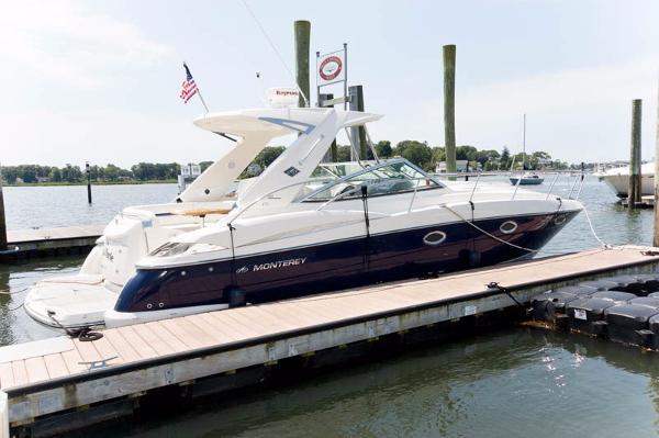 2009 Monterey 350 Sport Yacht