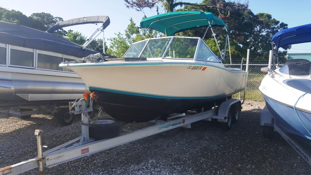 1983 Chris-Craft 22 DUAL CONSOLE