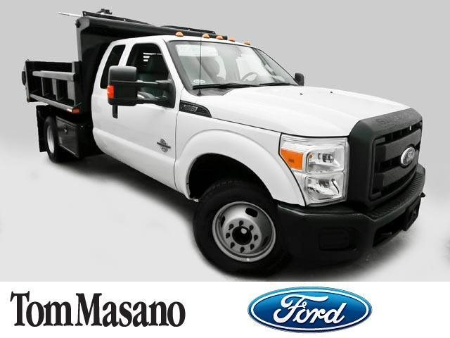 2015 Ford Super Duty F-350 Drw Cab-Chassis  Dump Truck
