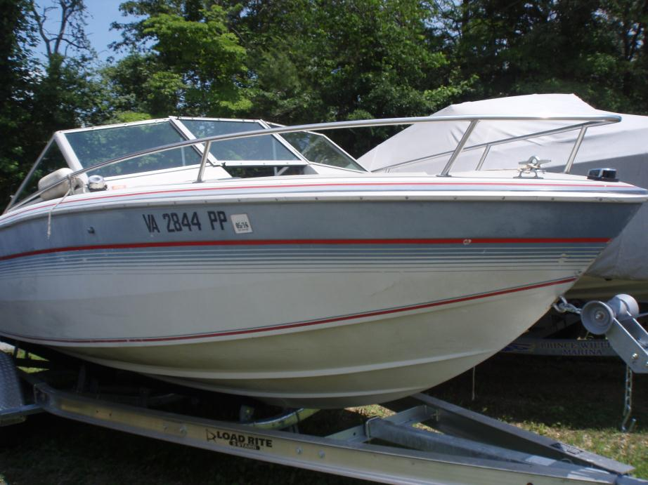 1986 Chris Craft 210S