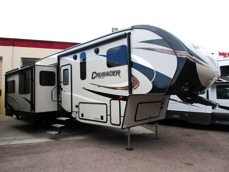 2017 Prime Time Crusader 337QBH - BUNK ROOM