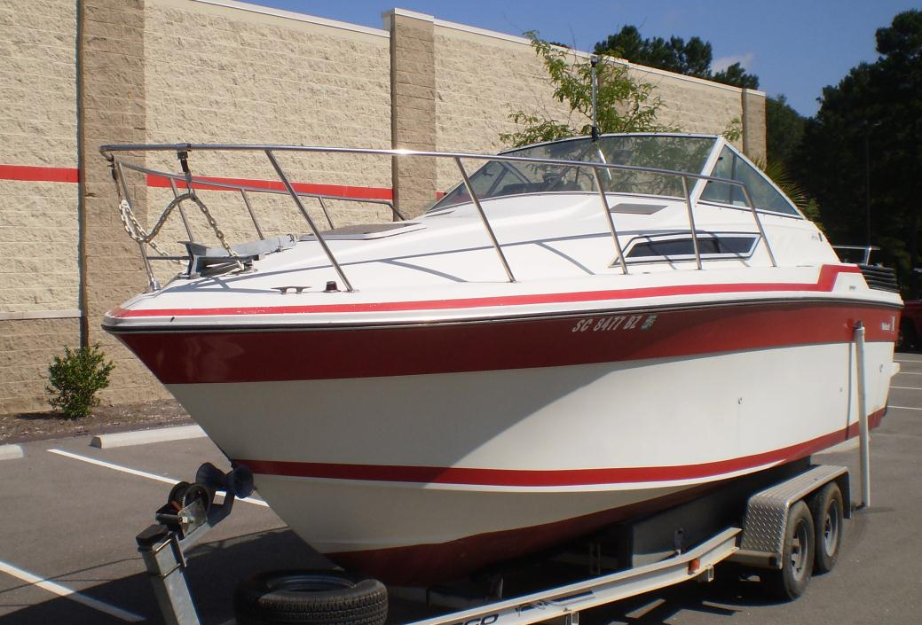 1988 Wellcraft Aruba Cuddy 232
