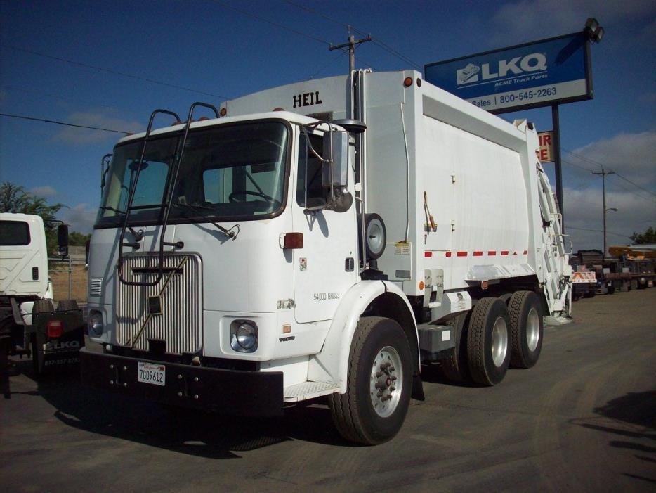 2002 Volvo Wx42 Garbage Truck