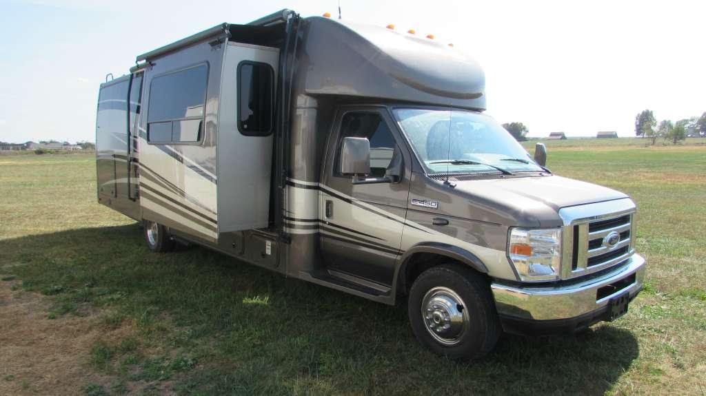 2010 Coachmen Concord 300TS