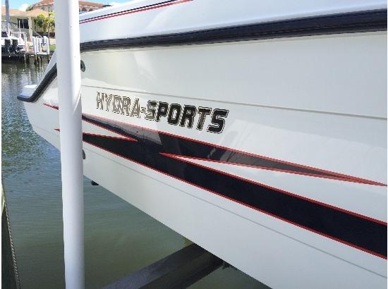 2013 Hydra-Sports 26 CC Vector