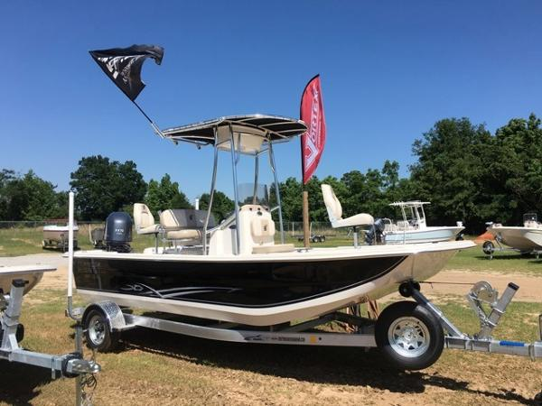 2016 Carolina Skiff 198 DLX Center Console