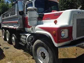 1976 Mack Rl688lst Dump Truck