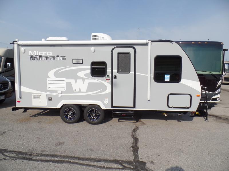 2017 Winnebago Industries, Inc MICRO MINNIE TT 2106FBS