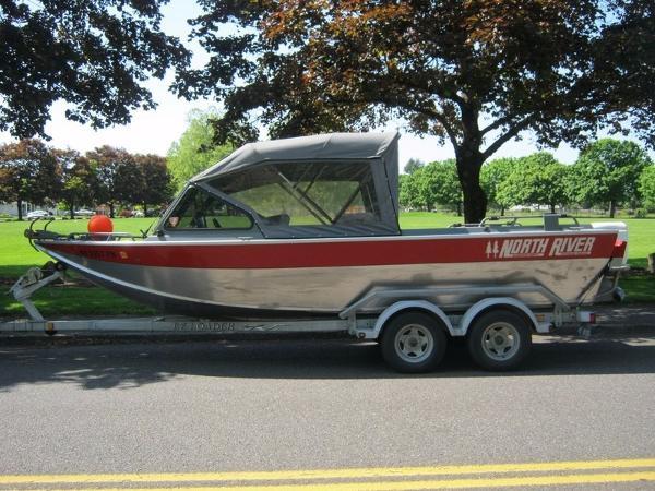 2005 North River Trapper 21
