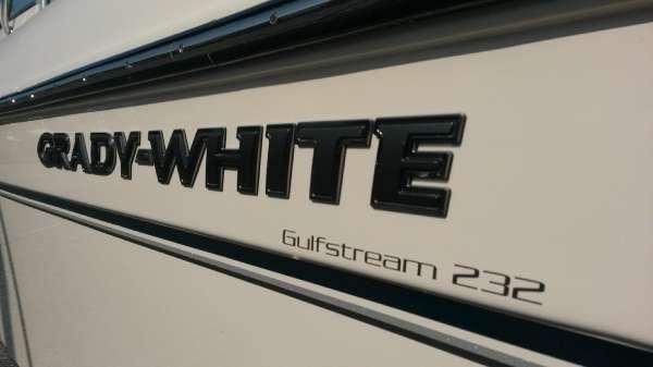 2017 Grady-White 232