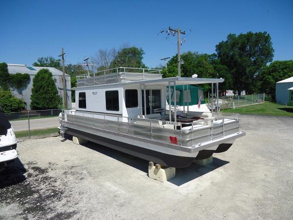 2013 Catamaran Cruisers Trimaran Harborcraft