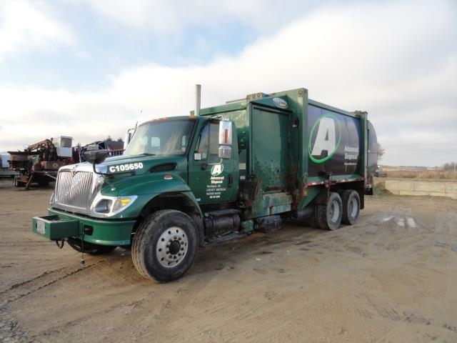 2004 International Workstar 7400  Garbage Truck