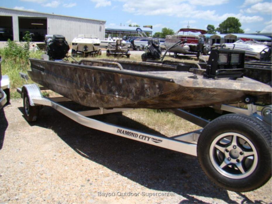 2016 Excel Boat Company 1751 SWV4 Optifade-Marsh Camo w/Mud Buddy HDR 37