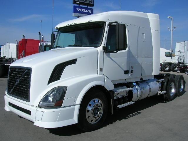 2011 Volvo Vnm64t630 Conventional - Sleeper Truck