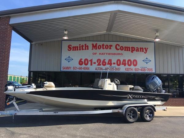 2016 Xpress Boats Hyper-Lift Bay H22B