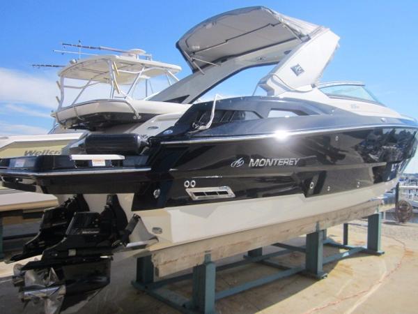 2011 Monterey 328 SS