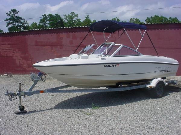 2003 Bayliner 175