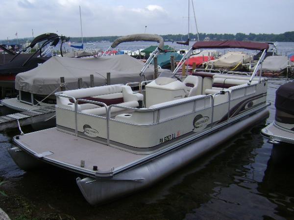 2000 Lowe SUNCRUISER 240
