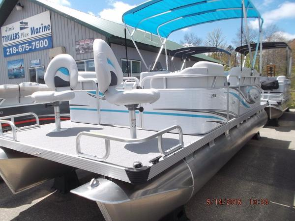 2016 Apex Marine Qwest Edge 7518 Sport Cruise