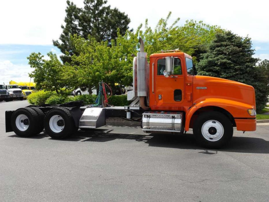 2000 International 9400 Conventional - Day Cab