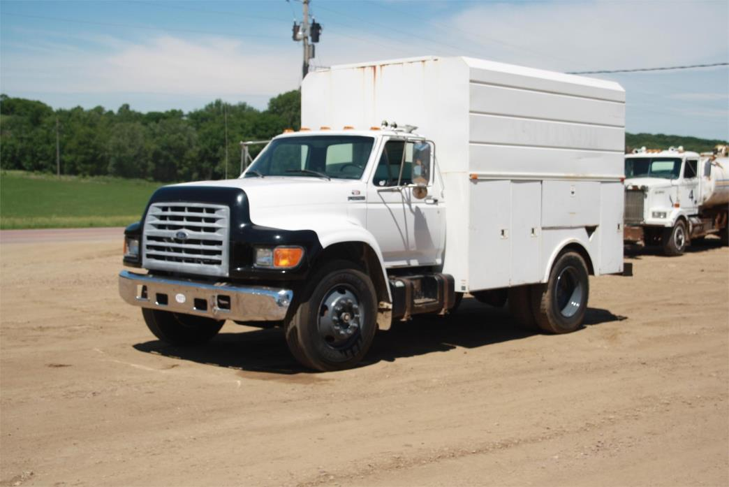 1999 Ford F800  Utility Truck - Service Truck