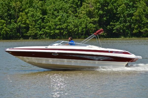 2007 Larson 268 LXI