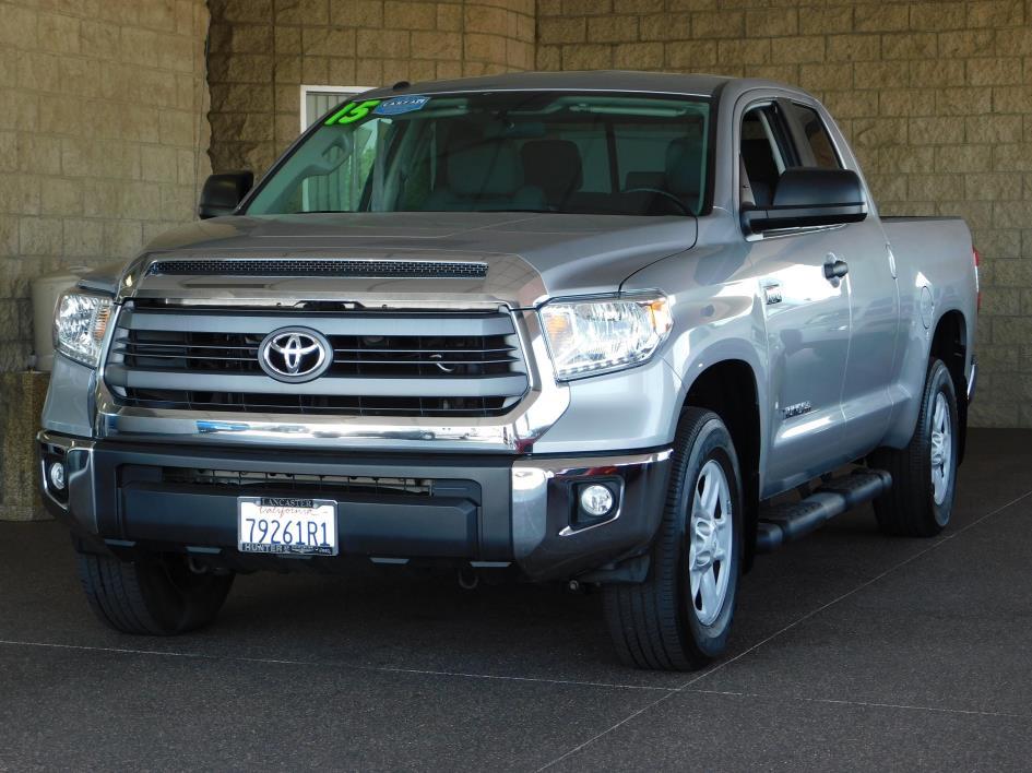 2015 Toyota Tundra Sr 5.7l V8  Pickup Truck