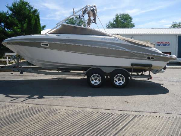 2004 Four Winns 250 Horizon