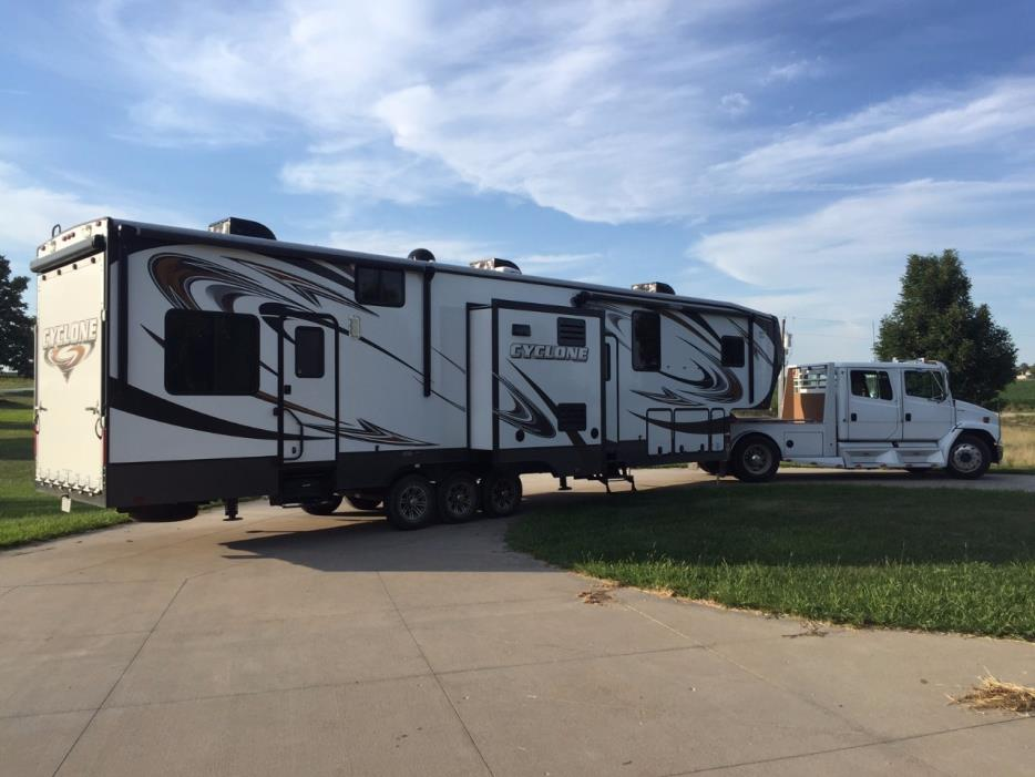 2014 heartland cyclone cy 4100 king vehicles for sale. Black Bedroom Furniture Sets. Home Design Ideas