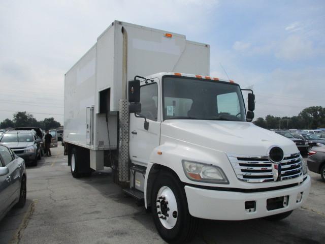 2009 Hino 338 Box Truck - Straight Truck