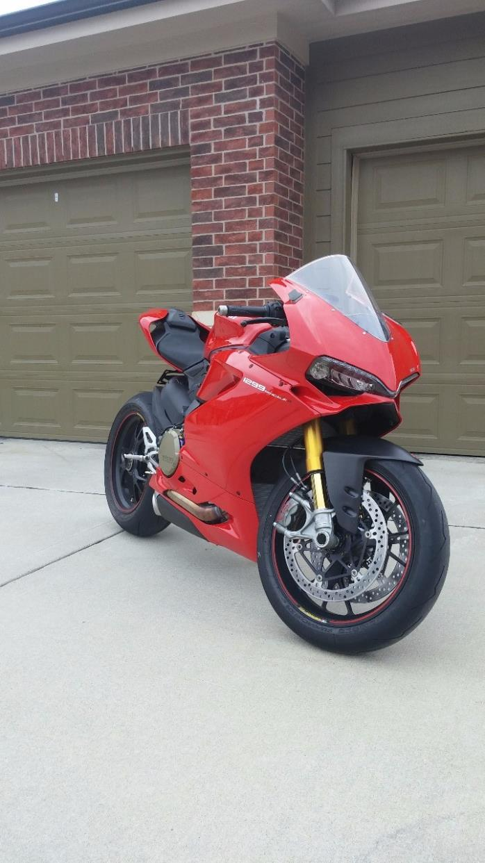 2015 Ducati SUPERBIKE 1299 PANIGALE S