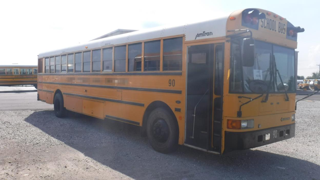 2000 International Amtran  Bus