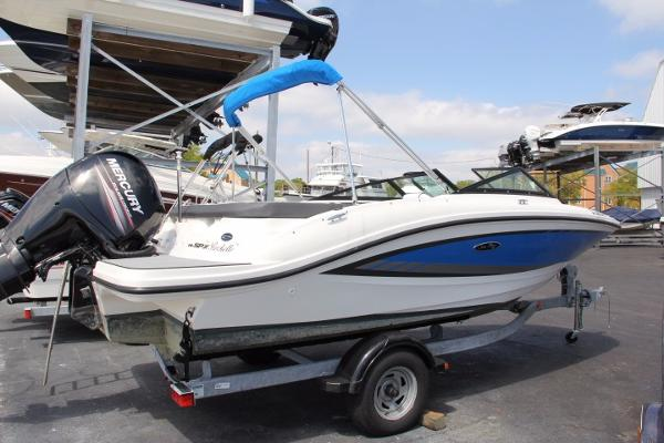 2015 Sea Ray 19 SPX Outboard