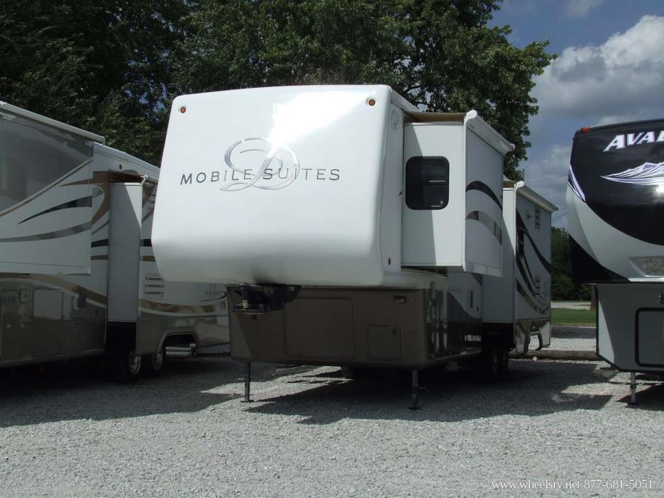 2004 DRV LUXURY SUITES Mobile Suites 33RS3