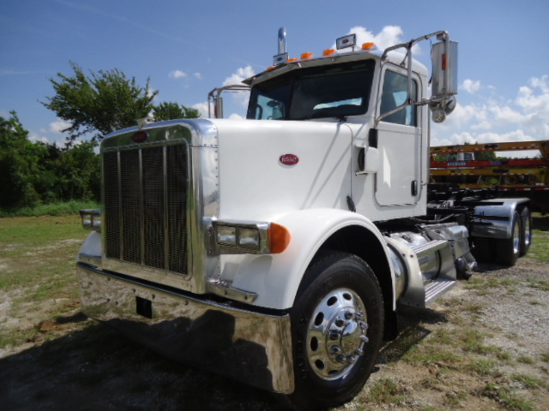 2007 Peterbilt 378 Roll Off  Conventional - Day Cab
