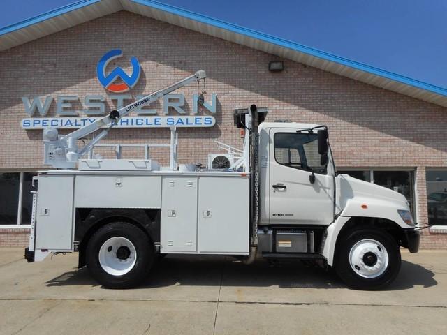 2009 Hino 268 Crane Truck
