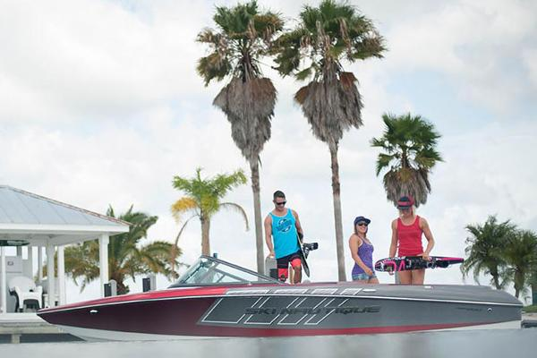 2017 Nautique Ski Nautique 200 Closed Bow
