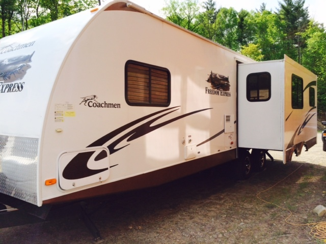 2011 Coachmen FREEDOM EXPRESS 296REDS